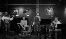 concert, whisky, Blumen'Eck