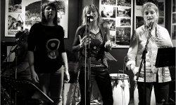 concert, rock, Armadila, Toinie Schaaf, Lydia Van Kan, Chantal De Mesmaeker, Antje Kaerlein, Martina Schmitz , Myriam Vinandy